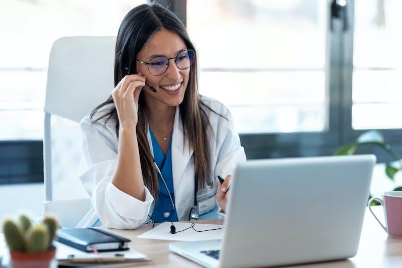 Telemedicine Women Doctor